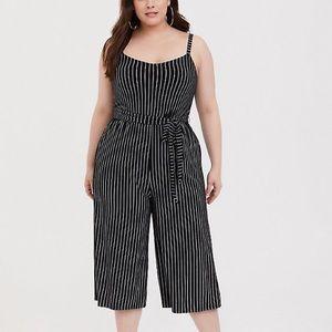 Torrid Pinstripe Culotte Jumpsuit w/ Belt Size 00